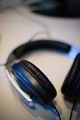 Headphones and mingchuno